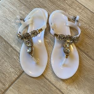 Engye jelly sandals